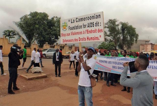 Des représentants des médias Ariane Télévision, Equinoxe Télévision et Afrique Média ont observés et rapportés sur la marche. (Photo de CAMFAIDS)