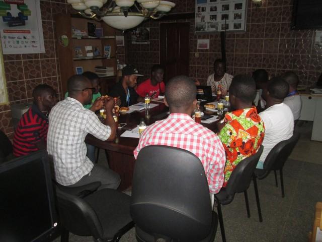 La semaine du 18 juillet, Humanity First (LBTQFSF, Yaoundé) a presenté un programme de gestion de risques.
