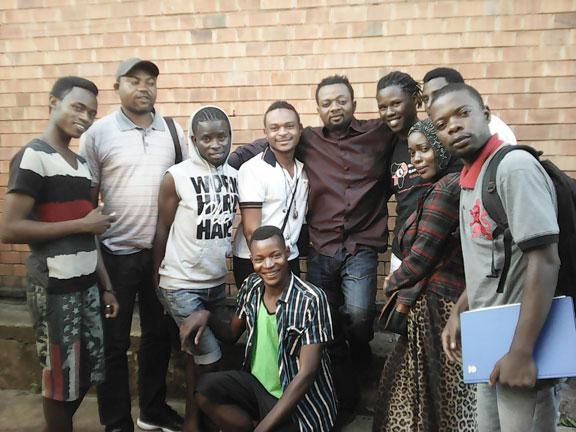 Membres de l'association Angels Refugee Support Group (Photo de Bibe Kalalu)