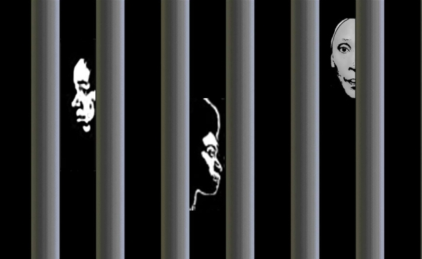 Pour nous aidez, cliquez sur l'image. Les trois visages derrière les barreaux représentent les détenues au Cameroun que le projet Not Alone / Pas Seul s'efforce de libérer rapidement de la prison.