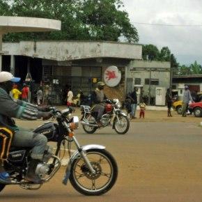 Cameroun : Un homme a été mis garde à vue car il portait unstring
